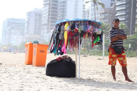 beach-vendor-ipanema