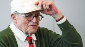 _93000854_hockneyap